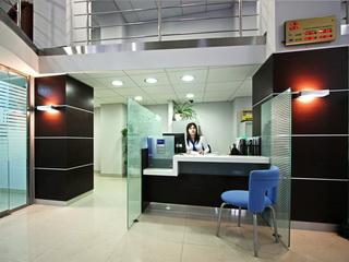 Оснащение специальной мебелью банка СМП