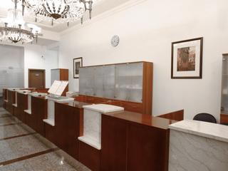 Банковская стойка в стиле советского классицизма
