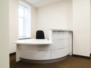 Стойка секретаря в офисе